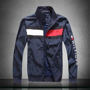 Nuevos hombres casuales chaqueta abrigo protector solar para hombre ropa chaquetas Tops con letra impresa solapa con capucha negro rompevientos Streetwear