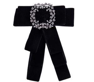 Nueva Moda Camisa de Vestir Arco Pin Broches Para Las Mujeres Hecho A Mano Corbata Corsage Broche Lienzo Tela Tela de Cristal Collar Bowknot Broches Joyería