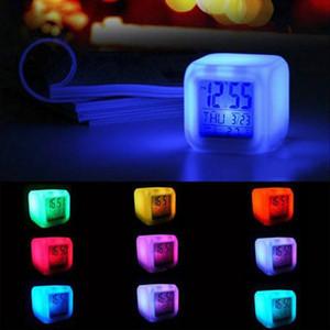 Creative Digital Alarm Clock Changement de couleur Multi-fonction Horloges de table Carré LED Lumineux Montre de haute qualité 7 25wj