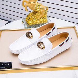 Mocasines de cuero para hombres Zapatos casuales Zapatos de conducción de primavera y verano para hombre Mocasines Mocasines de lujo de moda Pisos para hombre Slip ons
