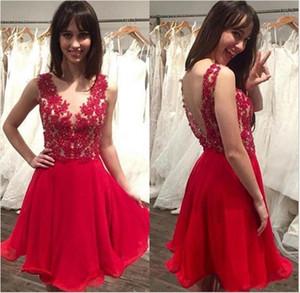2018 Red Sheer Jewel Neck A-Line Chiffon Homecoming Vestidos Cuentas Apliques de encaje Hasta la rodilla Vestidos de cóctel Short Short Vestidos de baile