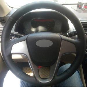 Cubierta del volante del coche de cuero genuino negro cosida a mano para Hyundai Solaris Verna i20 2008-2012 acento