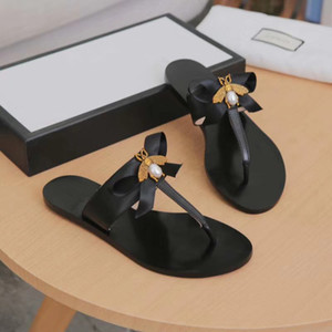 Designer de luxo Flip Flops De Metal Abelha Couro Genuíno chinelo Mulheres Verão Slides Sandálias Adorável Bow Tie Chinelos Apartamento TAMANHO EU36-EU43