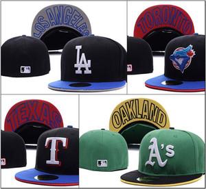 Großhandels-preiswerte Baseballmützen-Reihe volle geschlossene angepasste Kappen-Baseballmütze flache Randhutgrößen-Kappe Teamfans bedeckt für Mannfrauen mit Stadtnamen mit einer Kappe