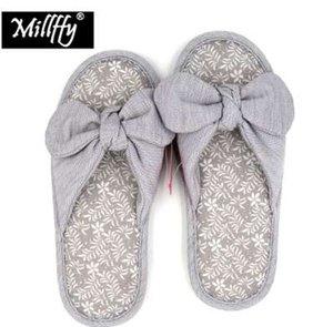 Pantofole domestiche giapponesi di primavera dell'estate della molla di estate di Millffy delle pantofole femminili antisdrucciolevoli della signora dell'arco antisdrucciolevole del bowknot
