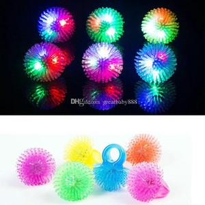 Neue weiche fuzzy LED Ringe Flashing Ringe Weihnachten Fingerring Festival Party LED Spielzeug C2869