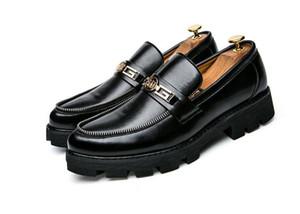 Scarpe da uomo con punta a punta Scarpe da sposa Scarpe con nappe famose Scarpe eleganti da uomo Scarpe oxford in stile Brogue Rise Shoes 1h21