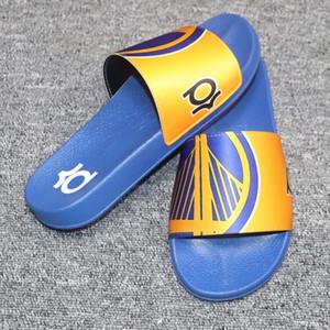 Chinelos de marca Designer Desinger Slides Mens Flip Flops Verão Resistência À Derrapagem Praia Plana Chinelos Sapatos de Basquete Jogador de Futebol Moda