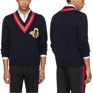 Черный V-образным вырезом шерсть свитера пуловеры мужчины 2018 Longsleeves Bee аппликация перемычка мода зима вязать одежда Мужская