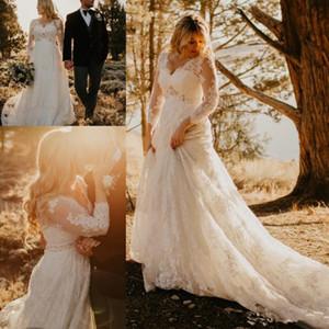 Abiti da sposa di campagna piena di pizzo con cintura di cristallo con perline Vintage scollo a V manica lunga Sweep Train Plus Size Boho Wedding Gown
