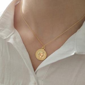 Collar de moda de la vendimia moneda colgante marea ins Ins cadena de clavícula larga joyería al por mayor