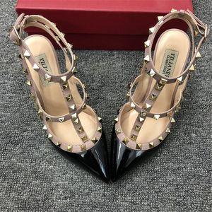 Real фото Женской мода Насосы сексуальных леди патент красного Nude точка ноги шипованные шипы Slingback ремешков обуви насосы шпильки партия обувь