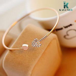 KASANIER Gold-Adjustable Frau Kristall Armband Double Heart Shaped Metall Stulpe-Armband-Armband öffnen Armband für Geburtstagsgeschenk