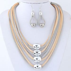 Conjuntos de joyas de cadenas multicapa para mujeres Bisutería Pendientes de collar de metal dorado Conjunto Parure Bijoux Joyería Femme