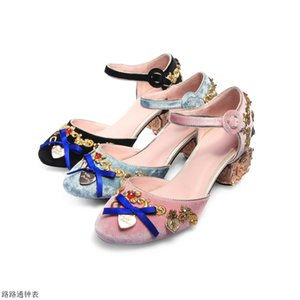 Donna Slipony Fretwork Angel Heel Pumps Handmade Mary Janes Tacchi alti Decorazione in metallo Partito Scarpe da sposa Donna Sandalo Sapatos