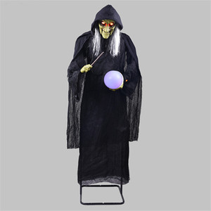 Halloween Decoration Horror Witch Holding the Glowing Ball Controllo vocale Ghost elettrico Haunted House Escape Ktv Ornament
