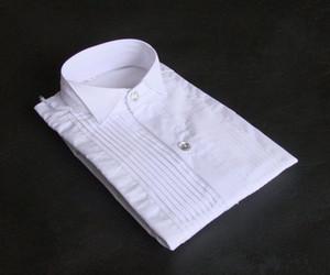 Top Qualität Weiß Baumwolle Langarm Bräutigam Hemd Männer Kleine spitze Kragen Falten Formale Gelegenheiten Kleid Hemden