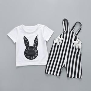 Cute Rabbit Print T-shirt bianca + Bavaglino a righe Due pezzi Set Baby Girl Girl copre il giorno dei bambini Regalo all'ingrosso Abbigliamento per bambini