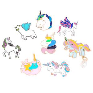 Button Pony com asas Cavalo Unicórnio cervos broche Brasão Jacket Jóias Pinos animal emblema dos desenhos animados presente para as crianças