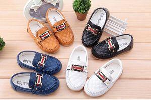 New Boy Girl Slip-on Mocassini per bambini Oxford Flat Shoes Kids Fashion Sneaker Baby Mocassini Scarpe da corsa
