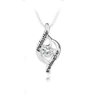 """Nuevo """"abuela y nieta"""" regalo de Europa y América Día de la Madre,, diamante colgante al por mayor de joyería Collar ahuecado"""