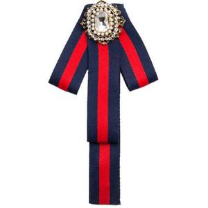 Geometria di lusso Quadrato di cristallo Spille di Diamante Tessuto ritorto Bowknot Corsage Cravatta Stili Spilla Spille Abito da donna Camicia Accessori