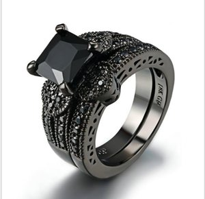 Anillo de dos piezas Love black gold con anillo de personalidad de moda simple de zircón de nanómetro negro.