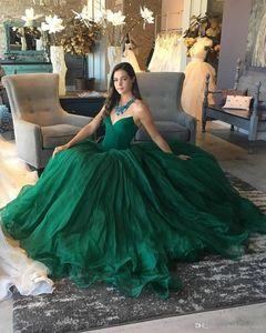 V-cuello verde Una línea de vestidos de baile capilla tren cremallera de la espalda formal vestidos de noche Vestidos de baile Vestidos de Fiesta de quinceañera resses