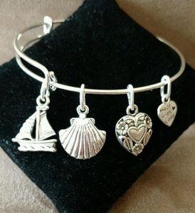 Vintage Silver Sailing Shell Heart Charms pulsera de alambre expansible Craft Wedding Cuff Bangles para mujeres joyas accesorios de moda NUEVO