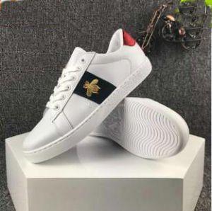 2017 Nouveau Designer de luxe en cuir blanc Tigre Bees Amour coeur Etoiles brodé bas chaussures plates Casual chaussures de sport pour les amoureux des femmes des hommes 36-44