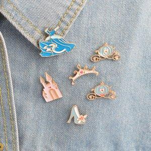 QIHE SCHMUCK Broschen Pins Cinderella Rock Palace Kürbiswagen Kristall Schuhe Krone Prinzessin Kleid Pins blau Abzeichen haif