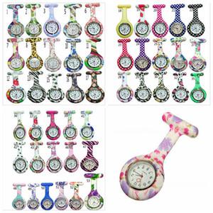 Krankenschwester Uhren Arzt Fob Quarz Uhr Silikon Taschenuhr Brosche Uhren Bunte Camouflage Drucke Tunika Pin Uhren 53 Farben YL351