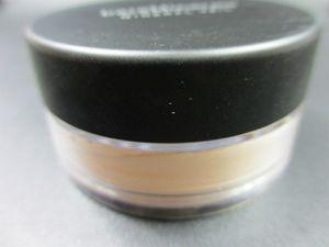 New Minerals Foundation loose powder 8g C10 fair 8g N10 fairly light 8g medium C25 8g medium beige N20 9g mineral veil