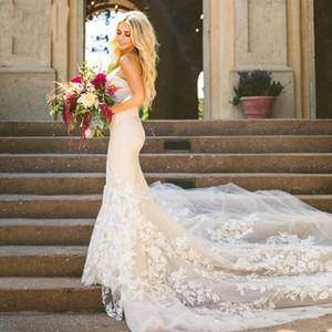 Vestidos de novia de la sirena de Champagne Vestidos de novia de encaje de Tulle elegante del amor Barrer el tren 2018 vestidos de boda de la playa de Gelinlik de la playa