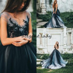 Robes de mariée gothiques vintage noir 2018 Retro Lace Applique Cap Sleeve Balayage Train Pays Boho Fée Information De Mariée Robe Pas Cher