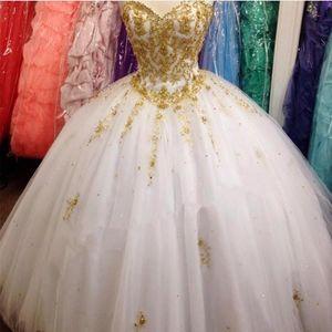 Applique di lusso Sweetheart Quinceanera oro perline Appliques Piano Lunghezza abito di sfera degli abiti di Dolce 15 anni abiti del partito