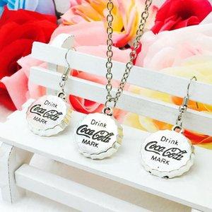 Hot Antique Silver Cola Bottle Cap Charm Colgante Collar Pendiente Conjunto Moda Mujeres Creativas Accesorios de Joyería Regalo de Vacaciones