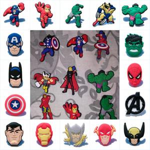 Misti 100 pezzi Avengers Hot Cartoon Action Figure Icon PVC Spille Distintivi Cool Pins Abbigliamento / Borsa / Cappello / Scarpe Accessorio Kids Party Gift Favors