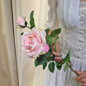 웨딩 장식 실크 꽃 리얼 터치 인공 단일 줄기 실크 로즈 꽃 꽃병에 테이블 가짜 꽃 준비를 위해 중앙에있는 장식물