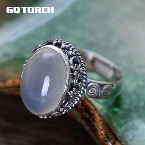 GQtorch 925 anillos de piedras preciosas naturales de plata esterlina para las mujeres calcedonia blanca flor de la vendimia tallada joyería fina anelli argento y1892704