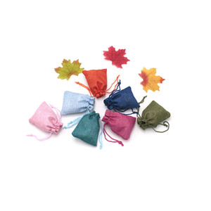 가방 포장 200PCS 7 * 9cm 리넨 졸라 매는 끈 주머니 보석 가방 로고 인쇄 황마 파우치 크리스마스 / 웨딩 파티 캔디 선물 거니