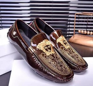 Moda fasulye ayakkabı, altın iplik nakış, moda erkekler rahat ayakkabılar, rahat 100, tembel ayakkabı, boya deri, sürüş shoes.n65