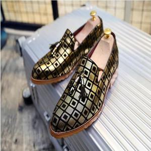 Neue Männer Quaste Loafers Schuhe Beleg auf Männer Kleid Schuhe Mode für Männer Casual Hausschuhe Wohnungen britischen Party Hochzeit Schuh