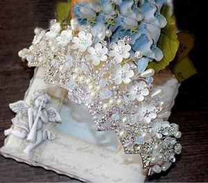 Vintage handgemachte Kristalle Perlen Kopfschmuck Braut Krone Hochzeit Zubehör Tiara mit exquisiten Blumen Prinzessin Crown Tiara
