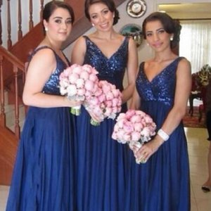 2018 Cheap Navy Blue Bridesmaid Dresses Sparkly Sequins V Neck Sleeveless Chiffon Long Prom Dresses Elegant Maid of Honor Gowns Custom Made
