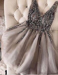 Lindo Com Decote Em V Beading Lantejoulas Baratos Homecoming Vestidos Curtos Sexy Prata Cinza Doce 16 Vestidos de Festa de Formatura Custom Made BA9977