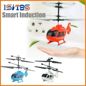2018 Venda quente Mini Drone Voador Mini RC Infraed Indução helicóptero aeronaves luz intermitente brinquedos para Kid