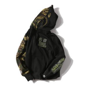 Camuflagem de inverno Streetwear Hip Hop Bordado Tubarão Camo Spilce Cardigan de Algodão Com Capuz de Alta Qualidade Masculino Casaco Com Capuz