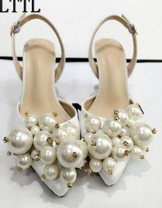 2020 Exquisite Perle Hochzeit Kleid Schuhe White Satin-Absatz-Pumpen Allgleiches Frauen Bankett-Partei-Kleid-Absatz-Schuhe Socialite