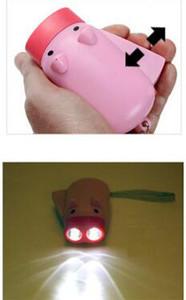 250 pcs Lanternas Dínamo Mão Manual Pressionando o Poder 2 LED Protable Porco Em Forma de Luz Da Tocha Dos Desenhos Animados Manivela Poder Enrole Acima Para A Lâmpada de Acampamento